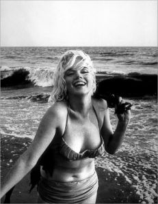 Marilyn Monroe, boegbeeld van schoonheid en verre van perfect naar huidige maatstaven.